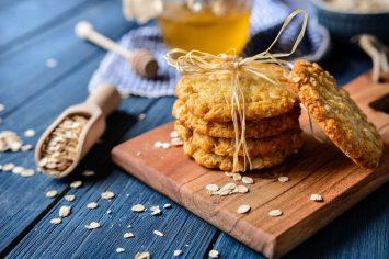עוגיות אנזק – עוגיות קוקוס בריאות שהן גיבורות אוסטרליות לאומיות!