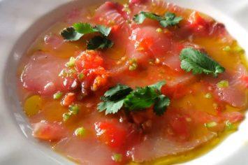 פתיח מושלם לארוחת החג: קרפצ'יו דג של מסעדת