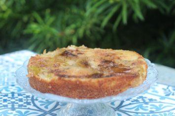 עוד לא התארגנתם על קינוח לחג? עוגת תפוחים שוודית הפוכה בחצי שעה!