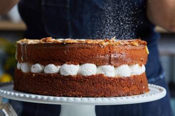 עוקצתתתתת: עוגת עקיצת דבורה פשוטה ומרשימה