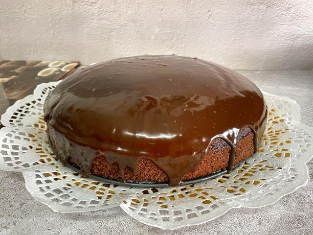 עוגת שוקולד פרווה. צילום: עדן טל