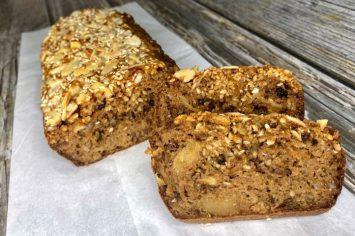 בלי טיפת קמח: לחם טחינה אוורירי לביס מושלם