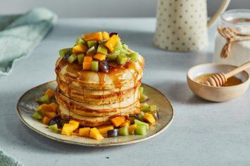 המגדל שאנחנו הכי אוהבים: מגדל פנקייקים פשוטים ואווריריים