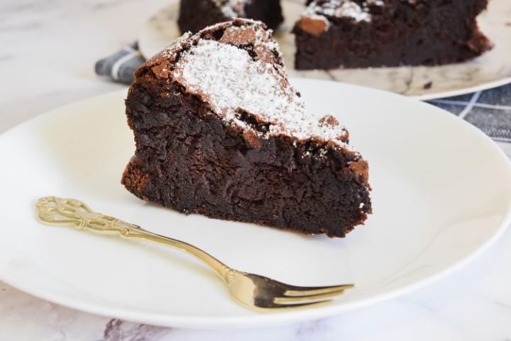 עוגת סופלה שוקולד. צילום: ספיר דהן