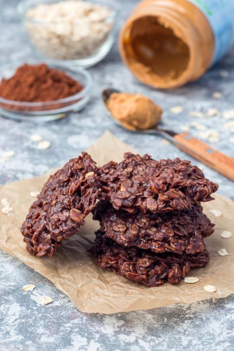 7 דקות בגן עדן! עוגיות שוקולד טבעוניות ללא אפייה!