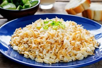 אורז עם אטריות: התוספת המושלמת לילדים