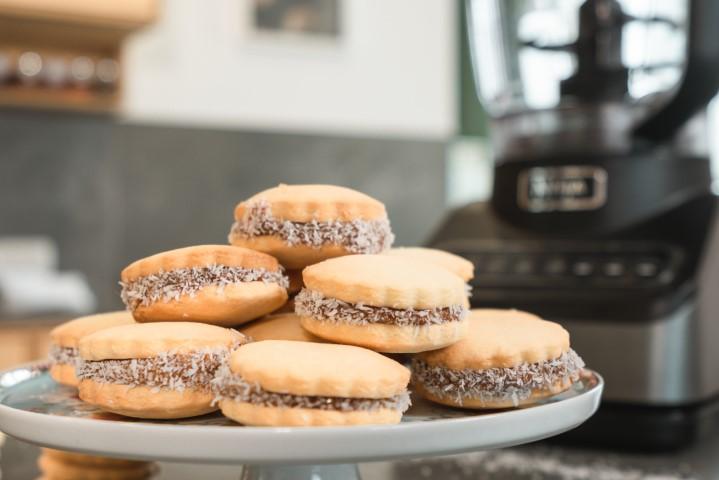 עוגיות אלפחורס של נטלי לוין. נטלי לוין: צילום: נטלי לוין