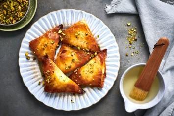 משולשי פילו גבינה מתוקים