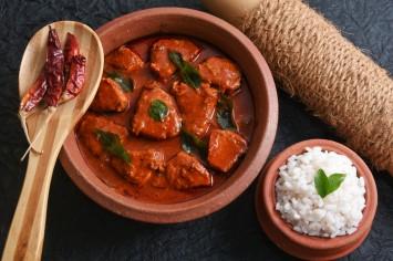 דג בחמאת קארי אדום ושמן צ׳ילי