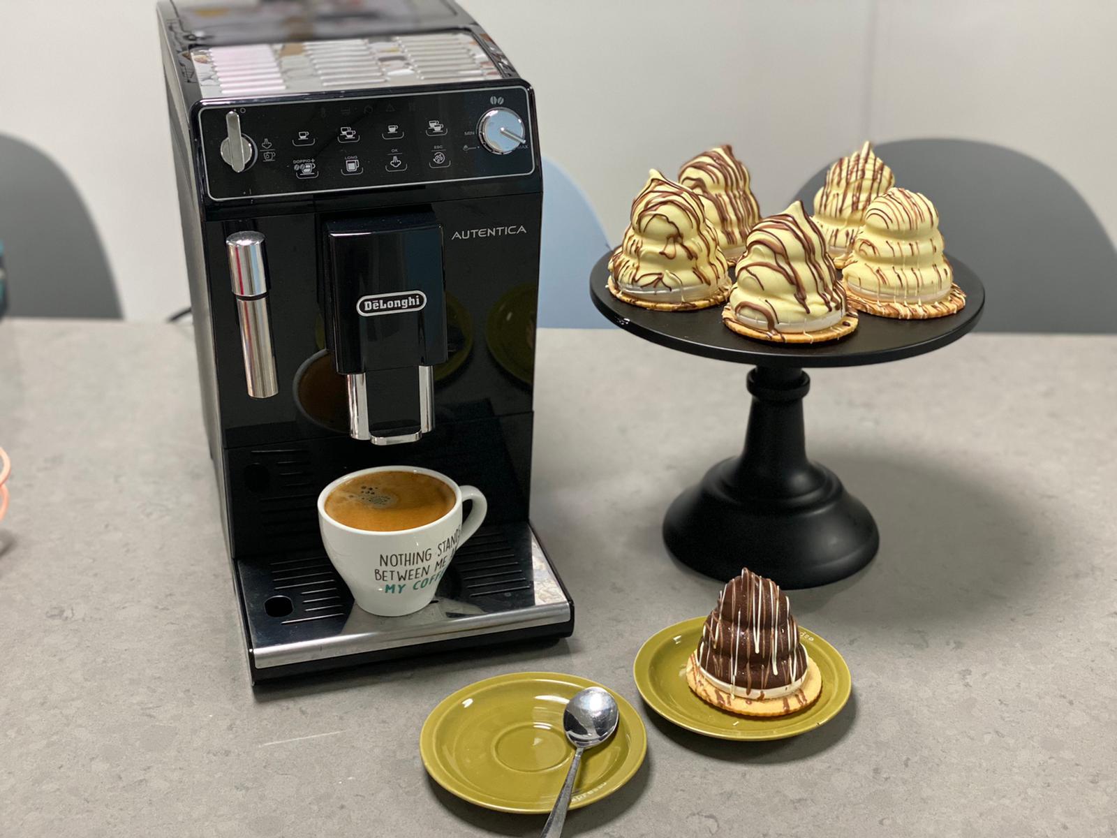 קרמבו קפה שוקולד לבן. צילום: תומר אומנסקי