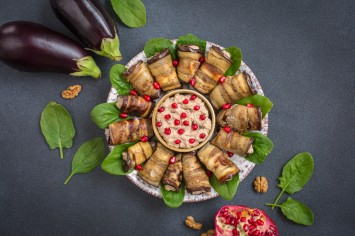 בדריג'אני – גלילות חצילים במלית ממרח אגוזי מלך מהמטבח הגאורגי