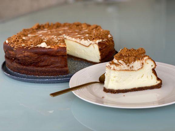 עוגת גבינה ולוטוס אפויה ללא המוצר