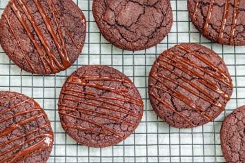 עוגיות שוקולד פאדג' טבעוניות וכשרות לפסח
