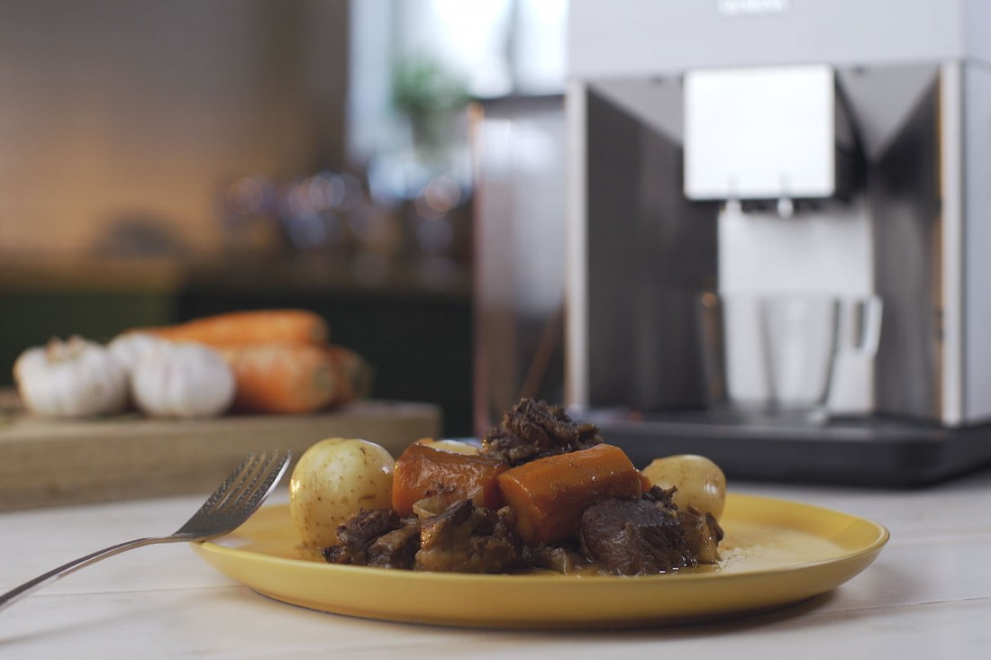 נתח שפונדרה במרינדה של אספרסו, צלוי עם תפוחי אדמה ובצלים
