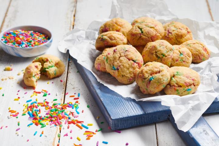 עוגיות קונפטי עם סוכריות צבעוניות 45 צילום: נמרוד סונדרס