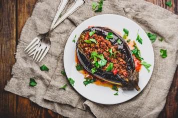 ממלאים באהבה: חצילים ממולאים בשר