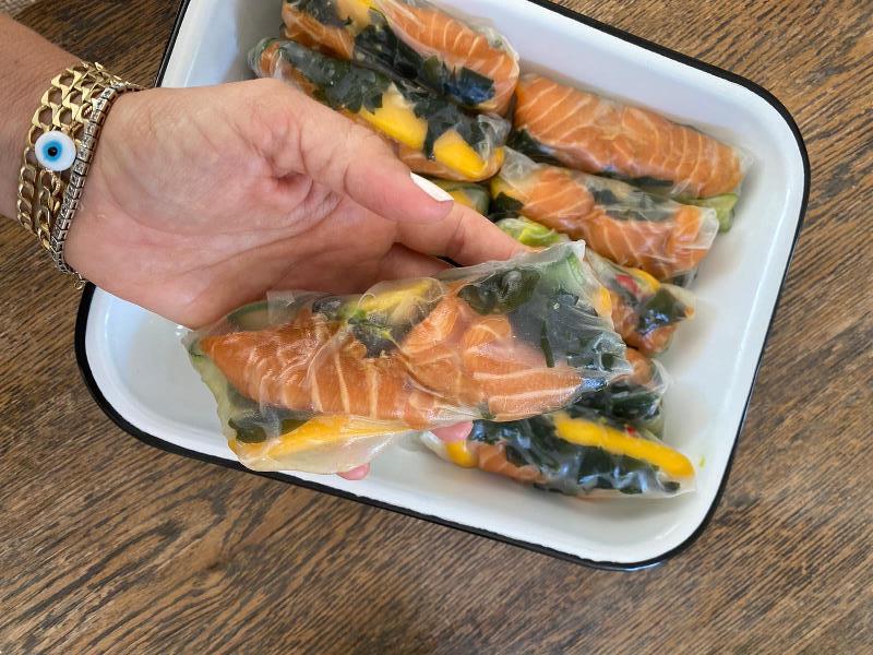 רול דפי אורז עם דג נא 5