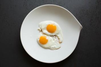 בוקר טוב נוסח טיקטוק: ביצת עין על פירורי לחם