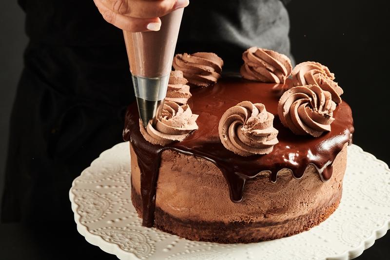 עוגת מוס שוקולד קרמל4