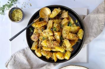 דאבל קראנץ': תפוחי אדמה אפויים בקראסט פיסטוקים