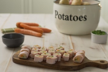 סושי ים תיכוני: פסטרמה במילוי סלט תפוחי אדמה