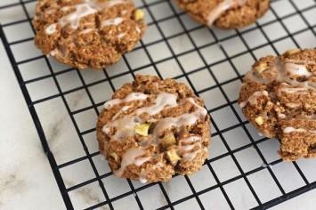 מה חדש? עוגיות שיבולת שועל ותפוחים בזיגוג דבש!
