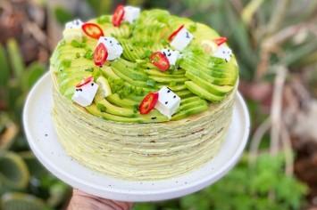 עוגת קרפים אבוקדו מלוחה