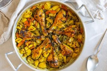 ארוחה מפסקת מושלמת: עוף ותפוחי אדמה בסיר אחד
