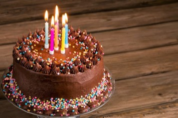 עוגת שוקולית מהירה ומושלמת לכל חגיגה!