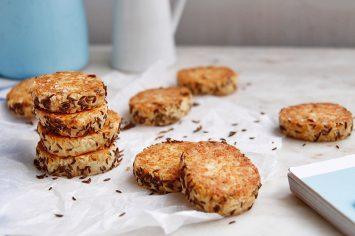 עוגיות קשקבל פריכות בקצח ושומשום
