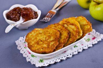 לביבות תפוחים חמות ומתוקות