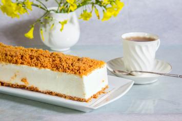 עוגת גבינה ופירורי עוגיות