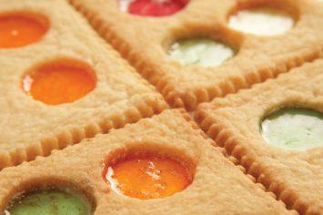עוגיות חלונות צבעוניים