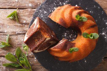 קרין גורן עם מתכון מושלם ומפנק של עוגת שיש בחושה רכה בטירוף