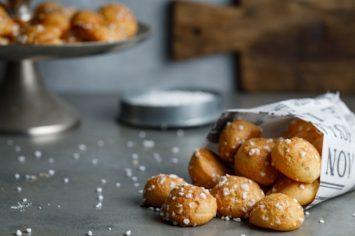 שוקט (chouqette): פחזניות קטנות וממכרות עם סוכר גבישי