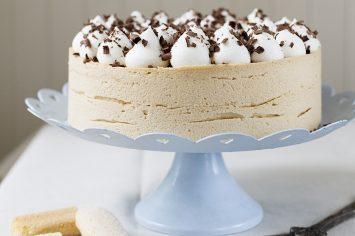 עוגת מוס ריבת חלב שקוצרת מחמאות