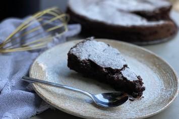 עוגת שוקולד פאדג׳ית ללא גלוטן